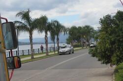 15 minutes après  nous sommes près du lac San Roque