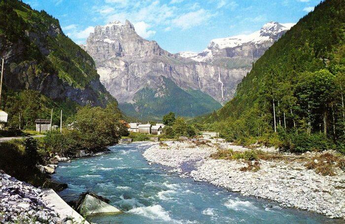 Bonjour....    paysage de la Haute-Savoie