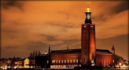 L'hôtel de ville de Stockholm vue de nuit