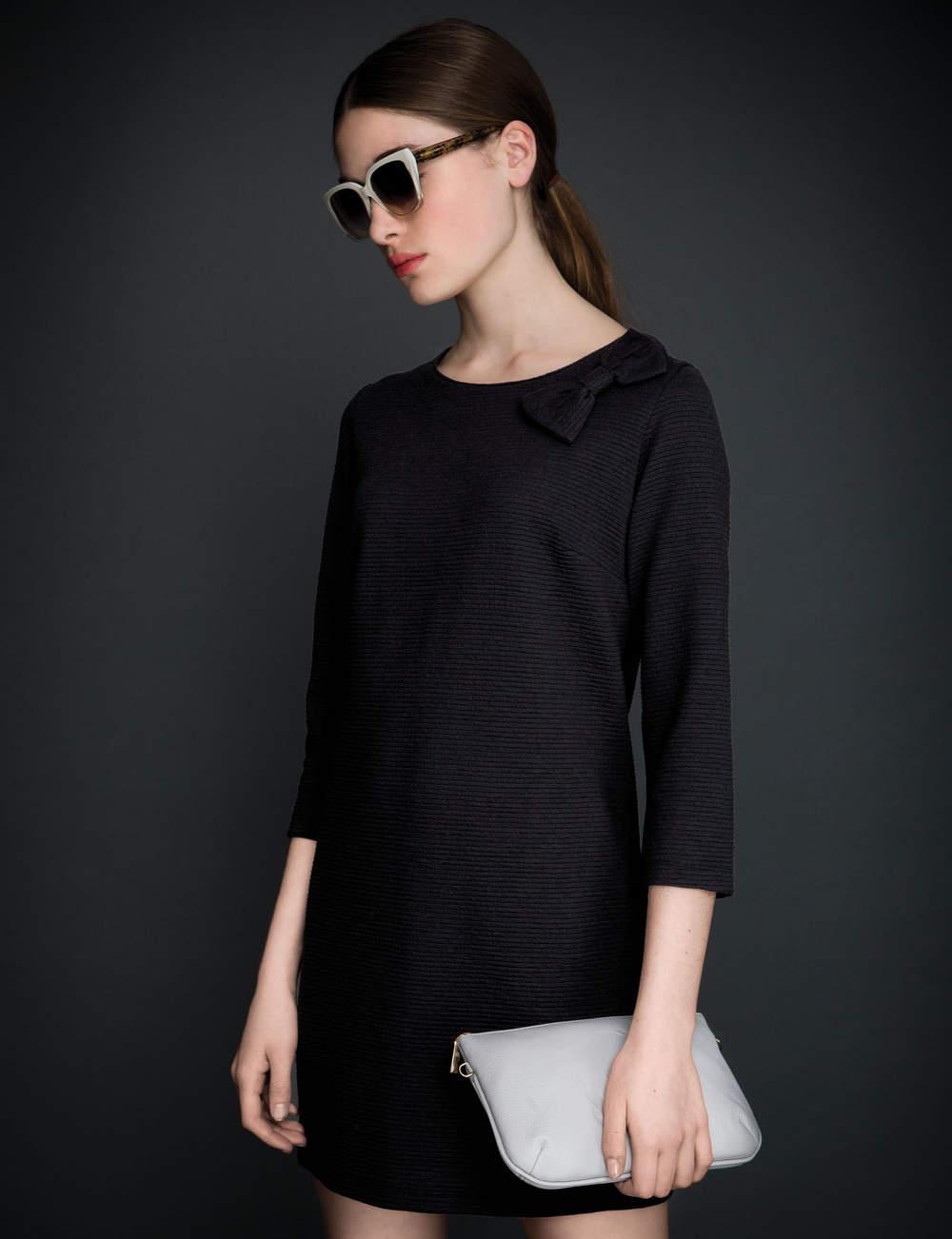 Robe noire : nœud