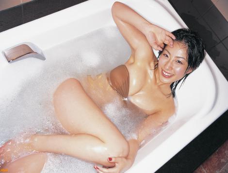 WEB Gravure : ( [Bomb.tv - GRAVURE Channel] - | 2005.05 | Hiroko Sato/佐藤寬子 )