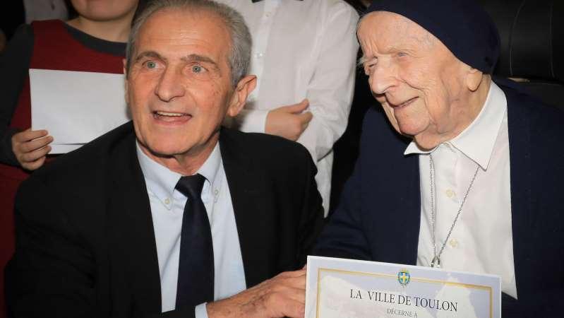 A 115 ans, la Française Sœur André est la doyenne des Européens
