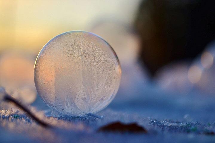 des-sumbliles-bulles-de-savon-gelees-par-le-froid25