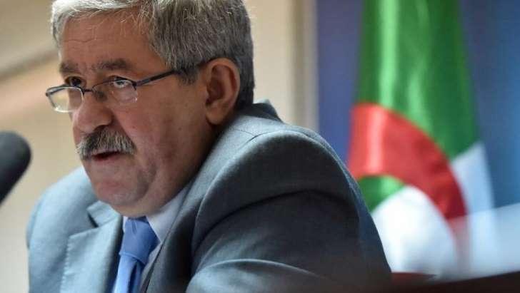 Algérie: un conseiller de Bouteflika critiqué après ses propos sur les migrants