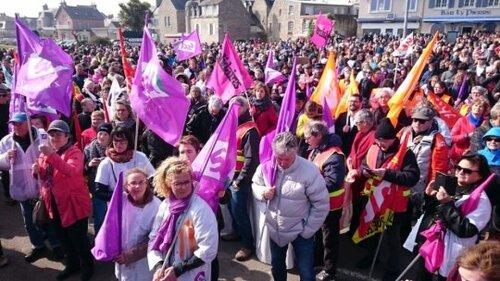 Roscoff. Au moins 5.000 manifestants pour soutenir Perharidy  (LT.fr-25/03/2017)