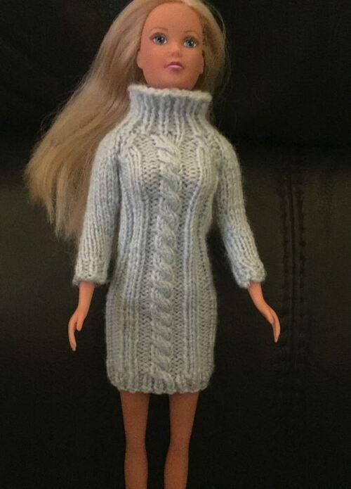 Barbie en robe torsade de Malélé et Patricia.F