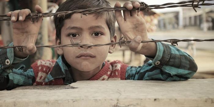 L'Arabie saoudite massacre des enfants avec des armes françaises ***  Yémen : environ 10 000 morts et un drame humanitaire
