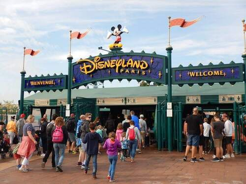 Reliable Airport Taxi Service from Charles de Gaulle to Disneyland Paris