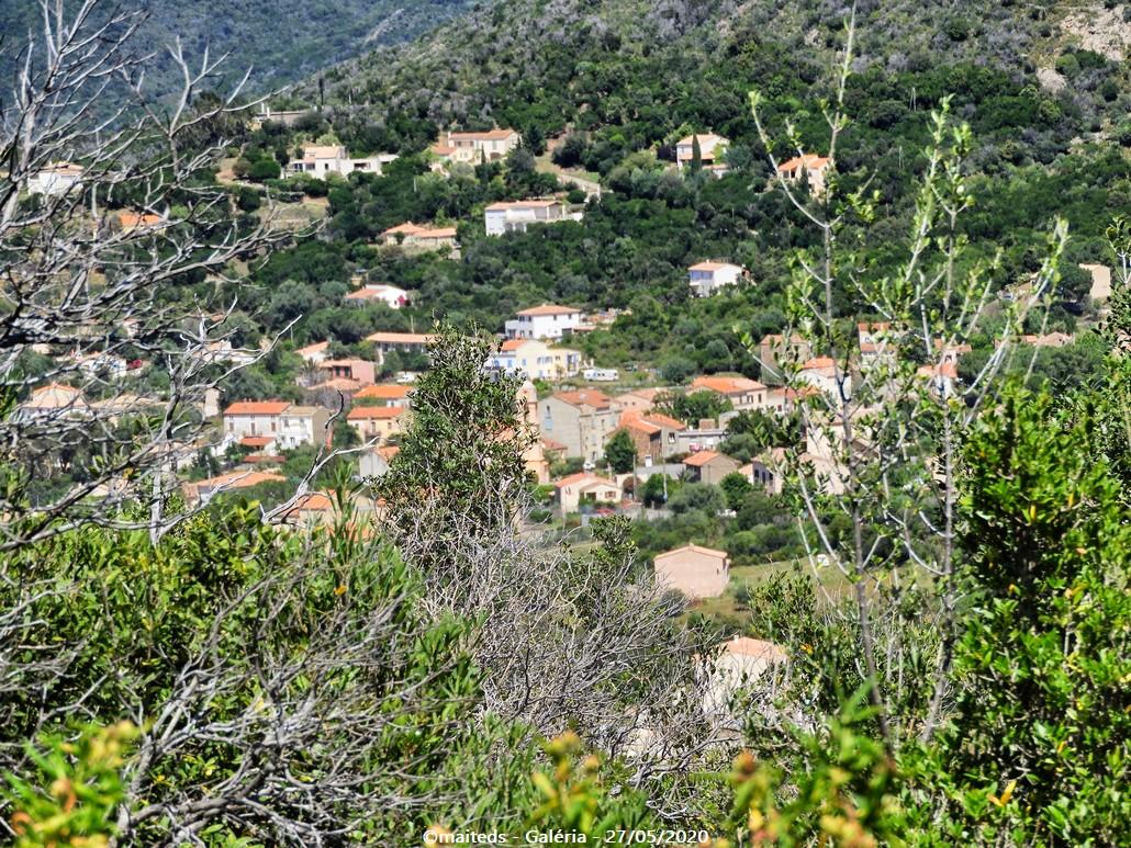 Sur le sentier des crêtes - Galéria le village