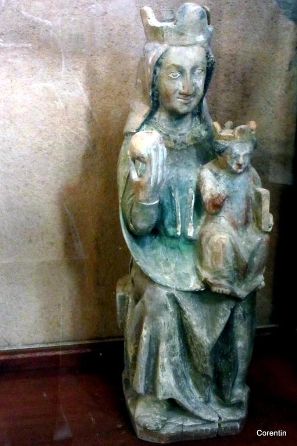 cn02---Statue-de-vierge.JPG