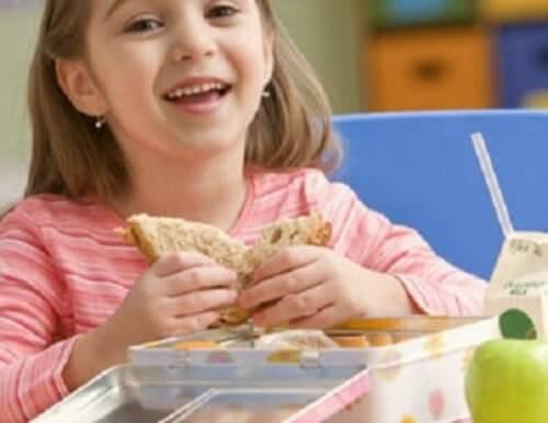 Aliments-sains-pour-enfants-500x386