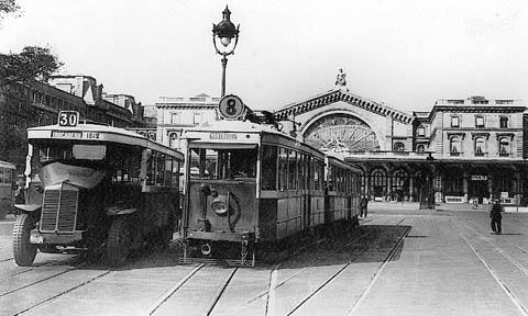 Concurrence bus-Tram gare de l'Est.