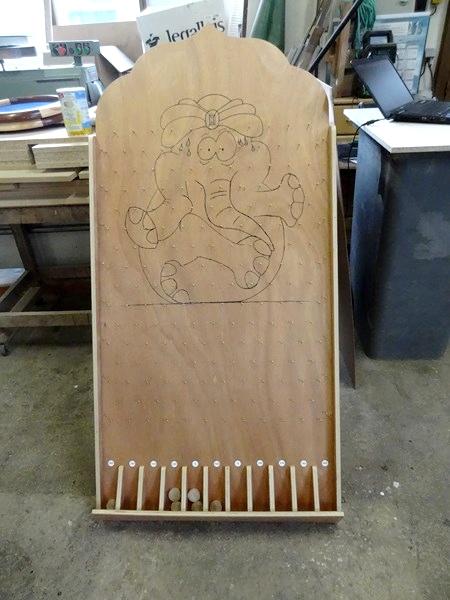 Laurent Chambon de Montigny sur Aube  a ouvert son atelier pour présenter ses jeux en bois...