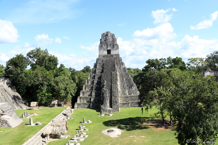 Grand Place et Temple du Grand Jaguar, Tikal
