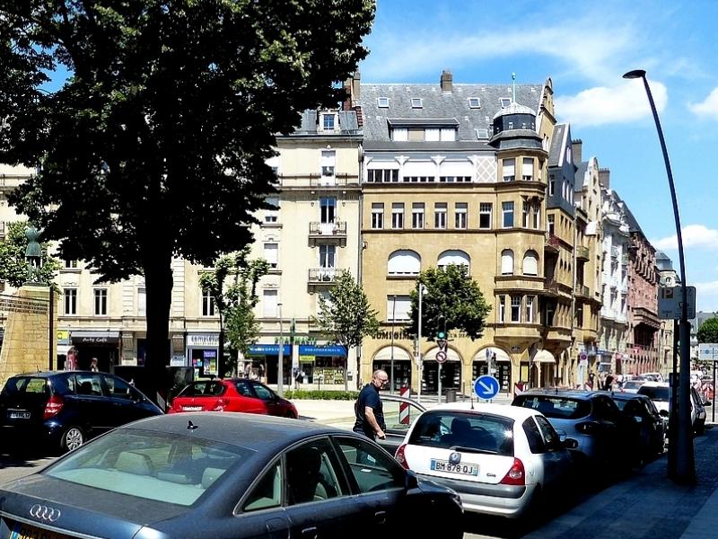 Metz / La rue Ausone dans le quartier Impérial...