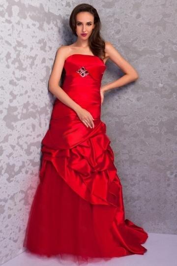 Robe de mariée rouge ruchée sans manche en satin