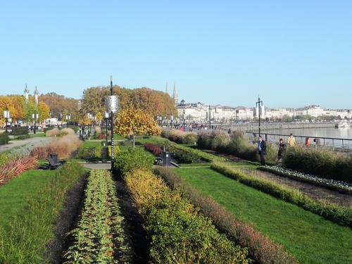 Le long de la Garonne à Bordeaux (photos)