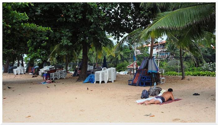 Plage de Jomtien sans chaises longues