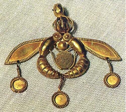 La double abeille de Malia (Crète)