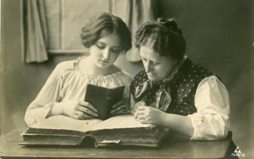 4- Femmes lisant- photographies