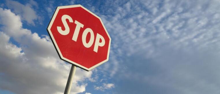Vous ne devinerez jamais combien il y a de panneaux stop à Paris ?