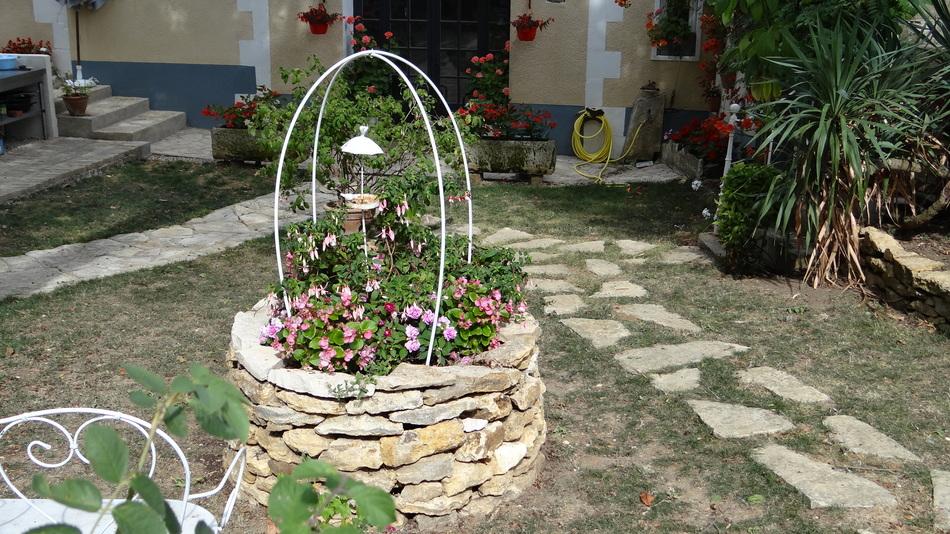 Le Puits de Pierres sèches pour le printemps