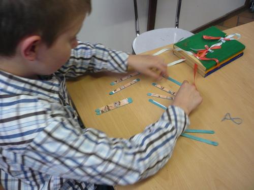 * Réalisation de puzzles  à partir de petits bâtonnets