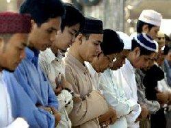 مقتل ثلاثة مسلمين في هجوم مسلح بفŸ