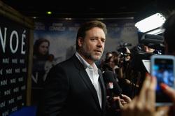 NOE avec Russell Crowe et Jennifer Connelly - INÉDIT - La vidéo de l'avant-première parisienne. Au cinéma mercredi 9 avril 2014.