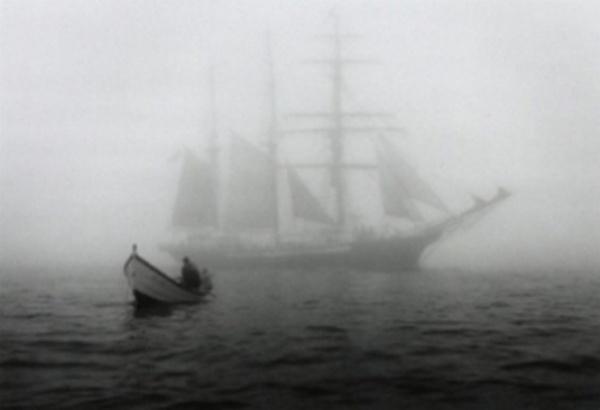 terre-neuvas dans la brume