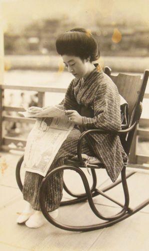06 - Les femmes et le journal...En Asie
