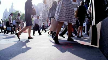 stock-footage-new-york-august-city-streets-full-of-people-walking-to-work.jpgtt