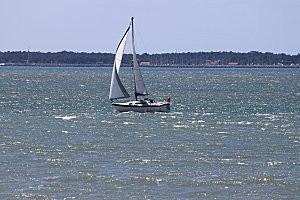 voilier dans l'estuaire-2-