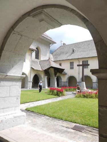 Le cloître de style gothique