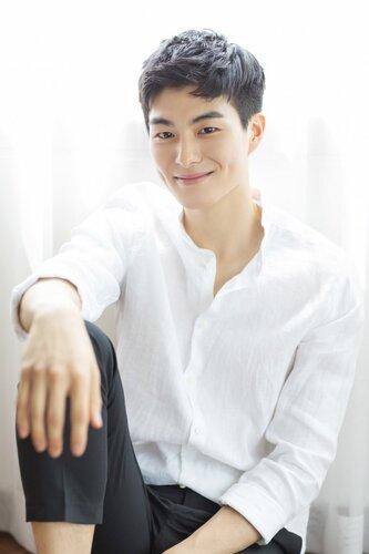 Fiche Artiste - Jung Gun Joo
