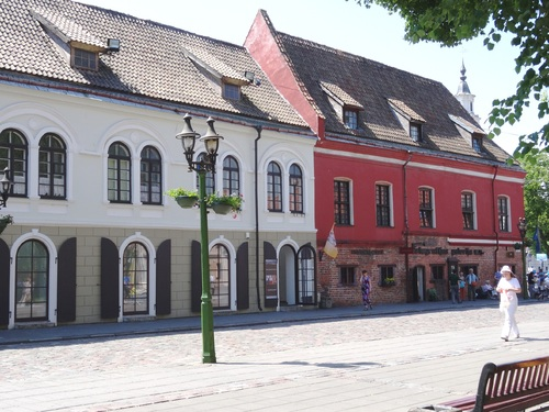 La grande place de Kaunas, seconde ville de Lituanie (photos)