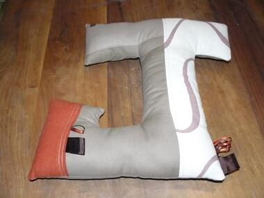 Coussin J