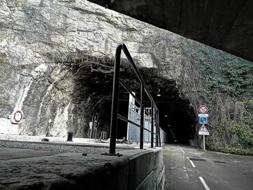 DRC - Besançon - Sortie du tunnel fluvial, sous la Citadelle Vauban