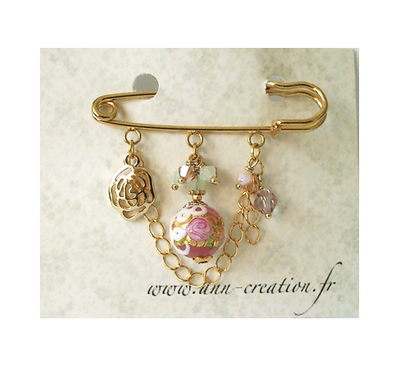 Broche Epingle Rose / Vert, Verre de Murano authentique, Cristal de Swarovski et breloque fleur / Métal doré