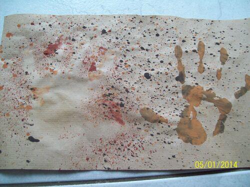 AV: empreintes de mains et mains en negatif