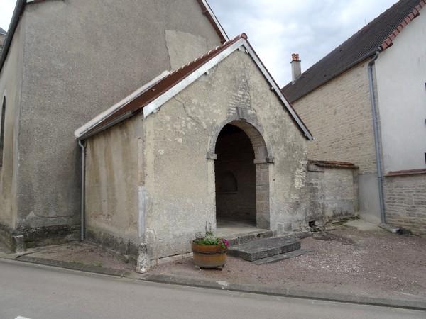 L'église de Riel les Eaux