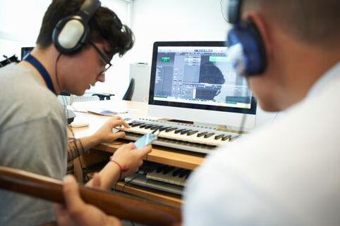 """Les """"home studio"""" et la MAO (musique assistée par ordinateur) ont connu un véritable succès récemment"""