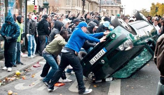 Dossier : Les risques de déstabilisation intérieure de la France