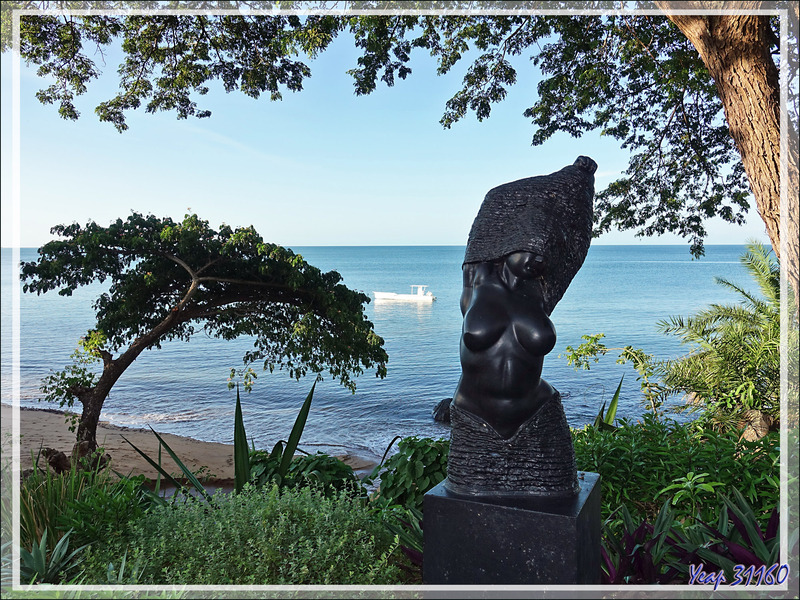 Belle statue au Manga Soa Lodge - Nosy Be - Madagascar