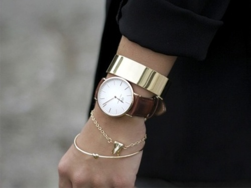 black, brown, pretty, clock, dw, girly, watch, heart, inspiration, love, daniel wellington, style, accessories, fashion, necklace, so sweet, beautiful, girl, gold