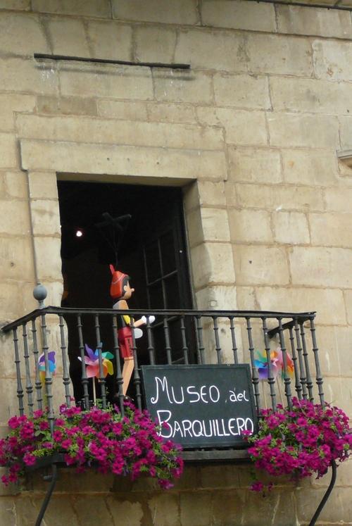 Fenêtres et balcons...à Santillana Del Mar en Espagne...