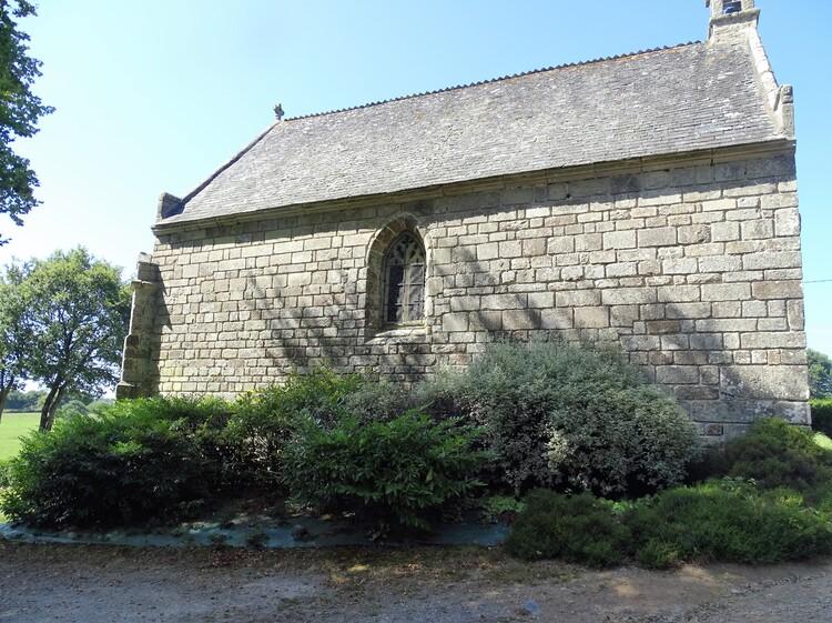 Callac Plumelec Morbihan - La chapelle - La fontaine