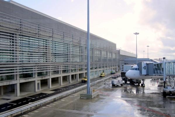 f4 - Le nouvel aéroport