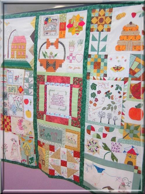 Suite de notre promenade dans les jardins de patchwork brodés