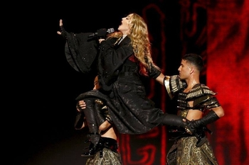 Rebel Heart Tour - 2015 12 10 Paris (11)